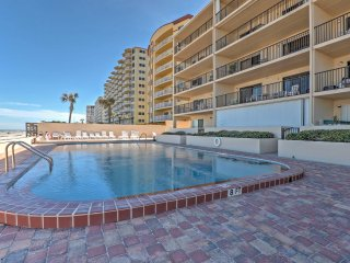 Prime 2BR Daytona Beach Condo w/ Beachfront Patio!
