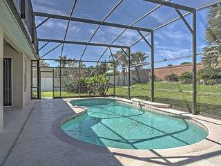 Kissimmee Villa w/ Yard & Pool - Miles to Disney!