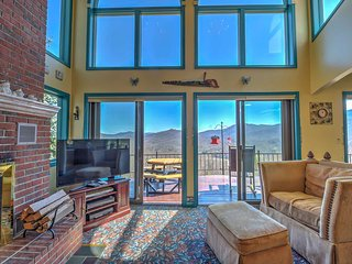 Burnsville House w/ Deck & 180-Degree Mtn Views!