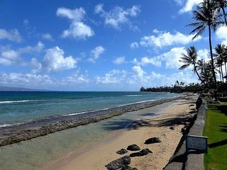 Maui Sands #4D, Great Location, 2 Bd Oceanfront Unit, The Ocean Just Steps Away!