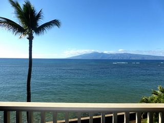 POHAILANI 306, OCEANFRONT STUDIO WITH AMAZING VIEWS , GREAT VALUE!, Lahaina