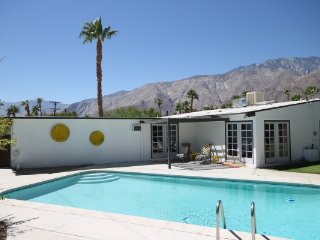 Happy Hues, Palm Springs