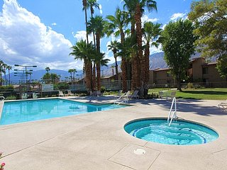 On Holiday Vacation Condo, Palm Springs