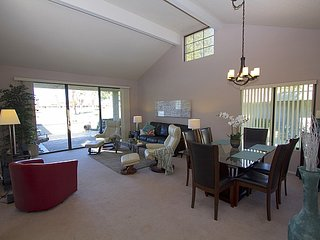 Canyon Condo, Cathedral City