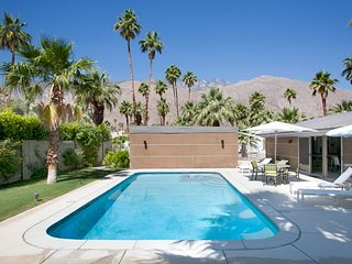 Twin Palms Midcentury Retreat