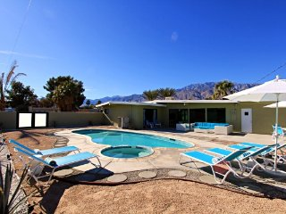 Modern Living, Palm Springs