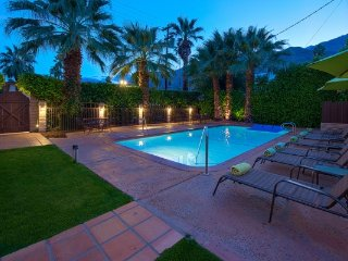 Oasis in the Sun - 8 Bedrooms + 8 Bathrooms, Palm Springs