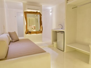 Deluxe brand new studio for 3-4 people, Agios Stefanos