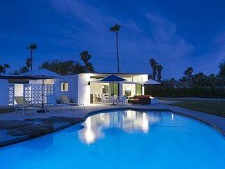 Sleek Retreat, Palm Springs