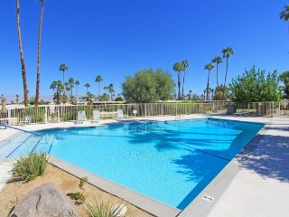 A Splash of Midcentury, Palm Desert