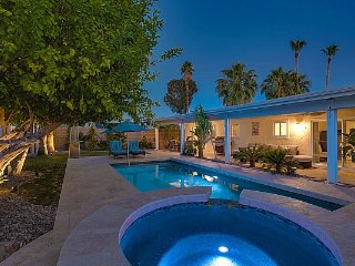 California Pool Home Palm Desert