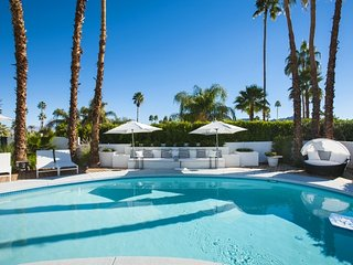 Hollywood Regency Retreat, Palm Desert