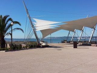 Superbe deux pièces face à la baie des Anges, St-Laurent du Var
