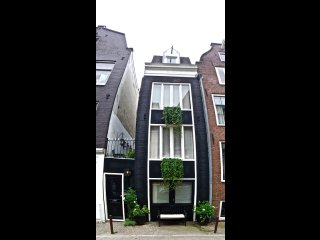 Entire storehouse in quiet Jordaan area, 3 min from Anne Frank house.