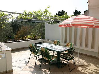 Loncar, nice apartment for 7 persons, Novalja
