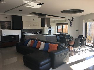 Luxury Self Catering Apartment in Qawra