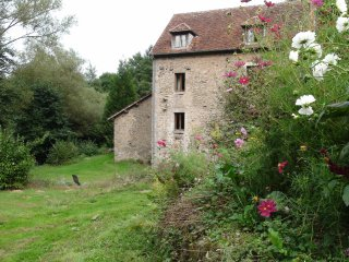 Holiday rental in a water mill in Burgundy, Bourgogne