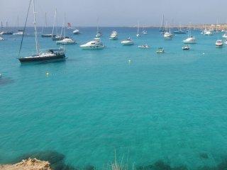 Velero en La Manga del Mar Menor