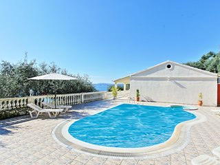 Villa Theodora: Private villa with pool, all on one level, panoramic sea views