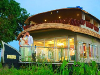 INDIAVACATIONZ HOUSEBOATS