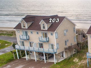 Goldsboro Lane 203 Oceanfront! | Internet, Jacuzzi! New 46 inch TV!! Discounts A