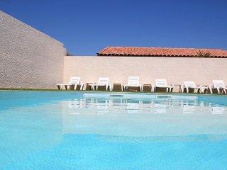 F1 climatisé avec piscine pour 2 personnes - Propriété : Les Lavandes du Moulin