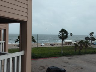 Nice Beach Condo at A Low Price!!, Corpus Christi