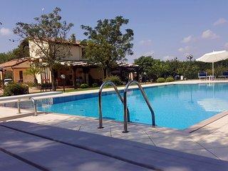 Villa Macallè Casa Vacanza giardino tra ulivi 10min Otranto 3min Maglie 6+2PAX, Muro Leccese