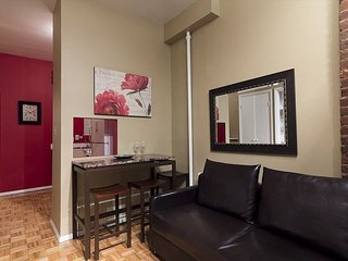 Times Square 2 BED 1 BATH - Great Building - Nice APT - Hotel alternative NEW