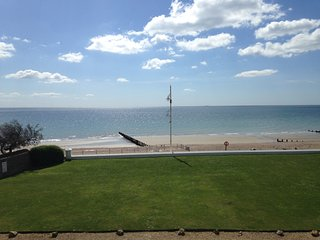 Beautiful family & pet friendly beach home., Bognor Regis