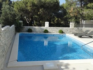 Spacious villa with pool in a great location