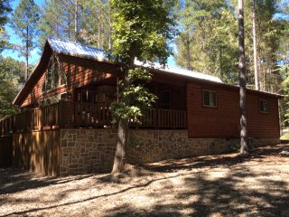 Creekside Tango; 3 Bdrms; 3 Bth; Hot Tub; Fire Ring; Pool Table;Secluded