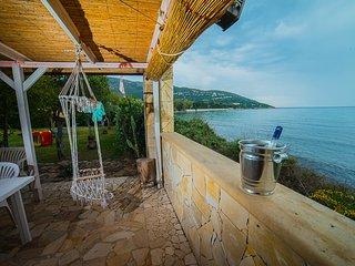 villa fronte mare 12 posti letto