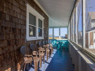Classic home w/ screened porch & ocean views - walk to the beach & pier!