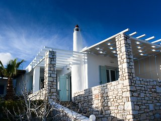 Modern Greek Villa (sleeps 6) Near to Golden Beach,  Paros