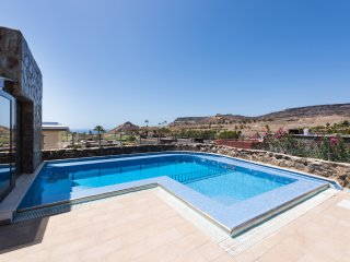 EXCLUSIVE VILLA WITH PRIVATE HEATED POOL&JACUZZI.