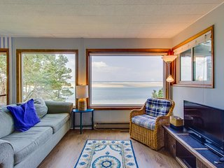 Oceanfront, updated family-friendly house with amazing bay views awaits