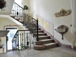 Villa Marzia, Argegno - 6 bedroom, 3 bathroom Historic Villa with pool