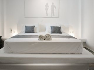 Spiti Marie -Stylish Greek Villa  (sleeps 6) Near to Golden Beach,  Paros