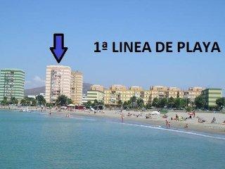 1ª LINEA DE PLAYA, VISTAS  AL MAR Y A 10 MINUTOS ANDANDO FRONTERA GIBRALTAR