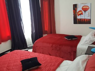 Chambre à coucher2 bien ensoleillé avec 3 Lits simples