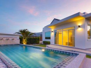 Hideaway Pool Villa S126