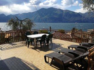 'FAMIGLIA CONSOLATI'  90MQ   Lago di Garda