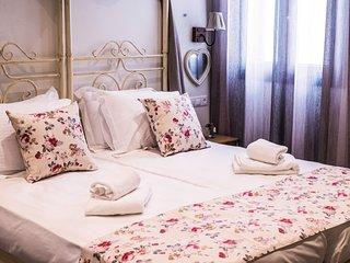 Naxos Petite Studios   Double/Twin Bed Studio