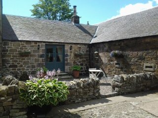 NEAR EDINBURGH Ampherlaw Farmhouse Self Catering Cottage