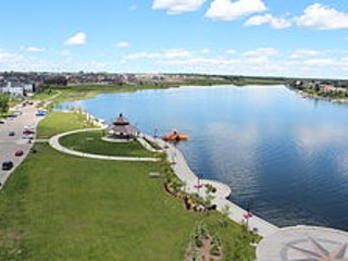 Beach Area Getaway Alberta 23 minutes to Downtown Calgary, Chestermere
