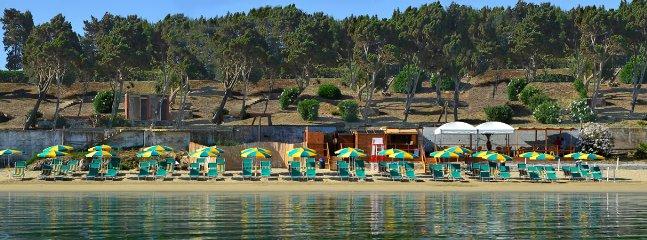 Private Beach (towels, umbrella, seats) included in final price