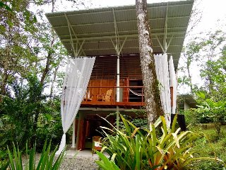Jungle Sanctuary..Puerto Viejo...Minutes to the Beach
