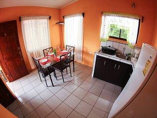 Apartamento Yaraas #6 con A/C. 2 Piso / Vista al Volcán