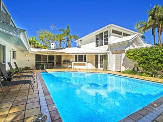 Noosa Waterfront Family Oasis 43| COASTAL LIVING | PRIVATE POOL | by Getastay